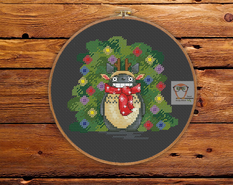 Free Funny Christmas Totoro  Cross Stitch pattern
