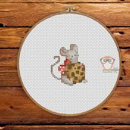 Christmas Cross stitch pattern Mouse With Cookie}