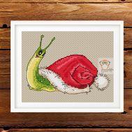 Christmas Snail Free cross stitch Pattern