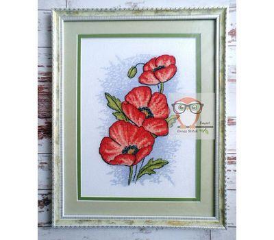 Poppy - grayscale pattern stitched