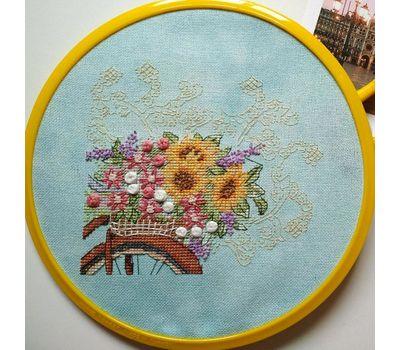Flower Bicycle Free Cross Stitch Pattern hoop