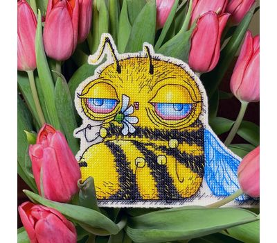 Funny Tired Bee Cross stitch pattern